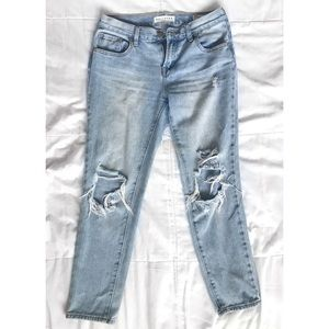 Bullhead Skinny Ripped Boyfriend Jeans